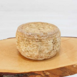 Cow cheese with raw milk from pressed paste, 400 gr approx
