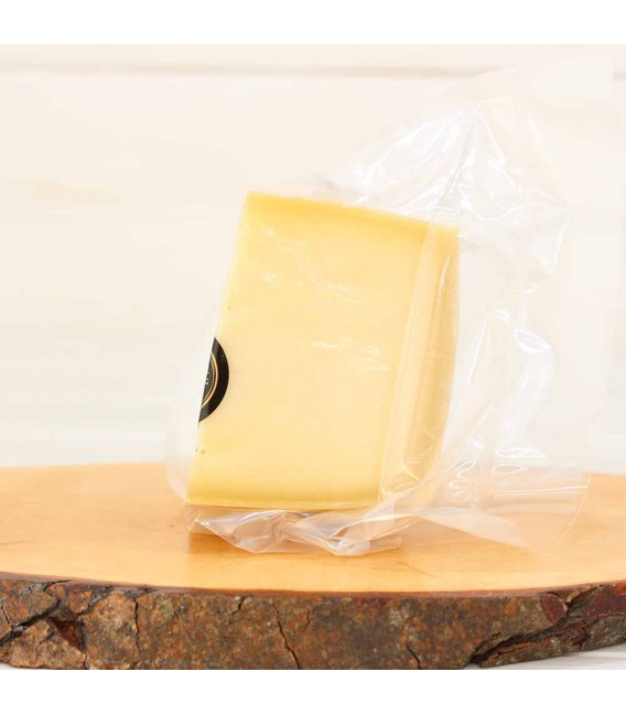 Wedge of cheese Idiazabal D. O. P 300 grams