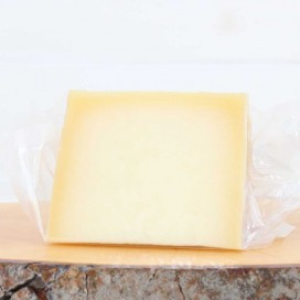 Arralde Smoked Cheese Wedge 270 Grs Approx.