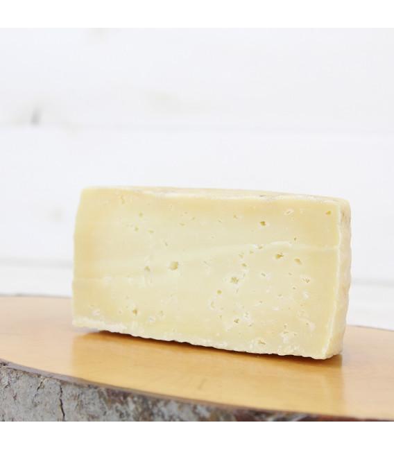 Medio Queso de leche Cruda de Cabra , 350grs aprx