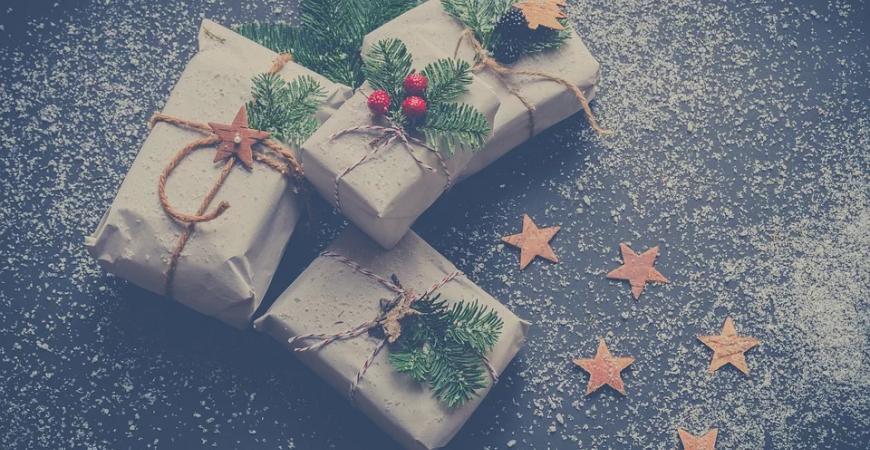 Los nuevos inquilinos de las cestas de navidad viven junto a los más tradicionales